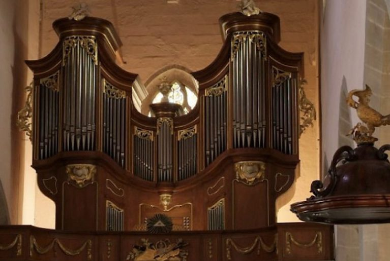 Orgue contre Guggen au Temple